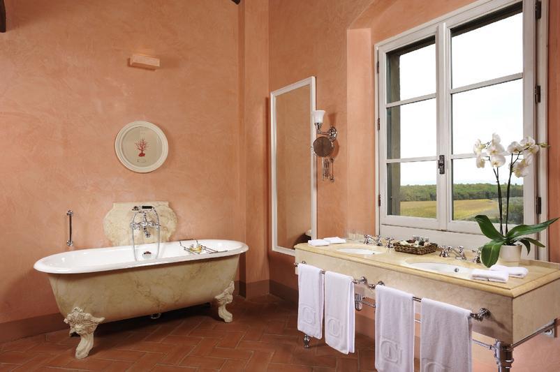 Castello_del_Nero_-_Bathroom_Duplex_Suite_215