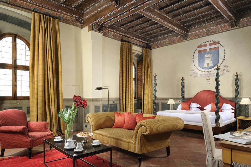 Castello_del_Nero_-_Deluxe_Suite_115