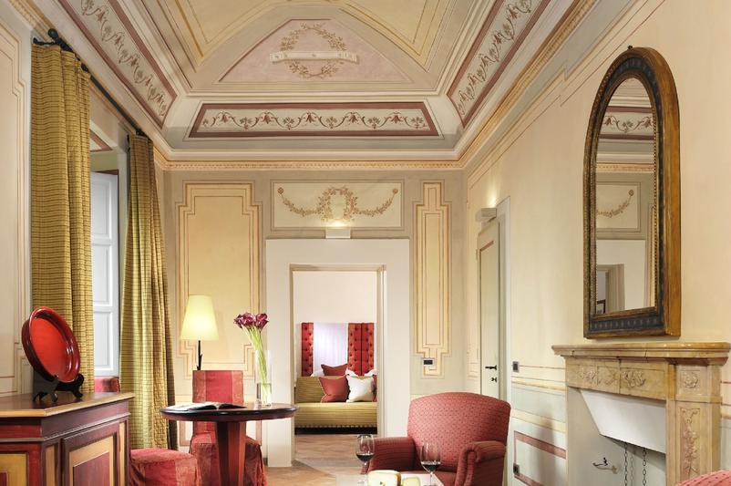 Castello_del_Nero_-_Deluxe_Suite_116_living_room