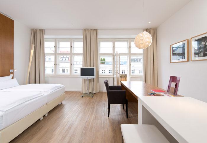 Ellington-Hotel-Berlin-441-Suite-cAndreas-Rehkopp_ONLINE-1